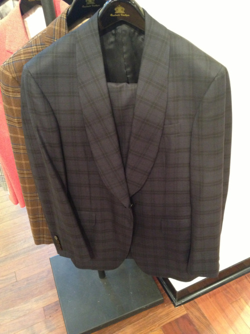 Oxxford Clothes in a shawl collar