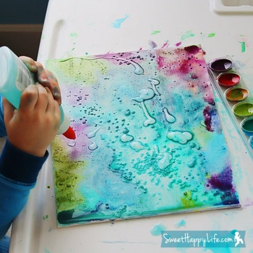 colorthehour:  Painting with Watercolors, Glue and Salt. Really want to do this on a canvas!