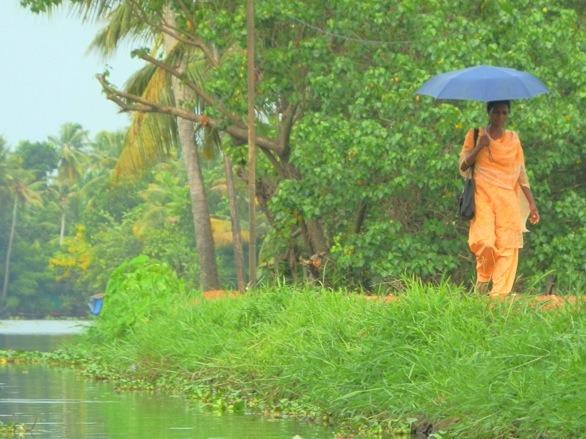 Mulher em Allepey, Índia