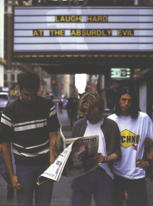 7/24/93 - Nirvana photo-shoot. Kurt Cobain reads 'Melody Maker' - Issue: July 17th, 1993. The weekly newspaper featured interviews with Jamiroquai, Courtney Love, Faith No More and live/album reviews of Smashing Pumpkins, Pearl Jam, Neil Young, The Jesus Lizard + much more.