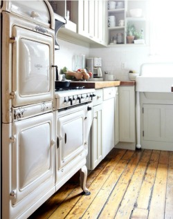 squaremeal:  (via {kitchen} / / stove)