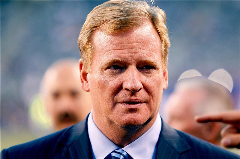 Roger Goodell to recuse himself from Saints appeal, hands it off to Paul Tagliabue Blog: 'Stunning and possibly unprecedented' move Are you surprised?