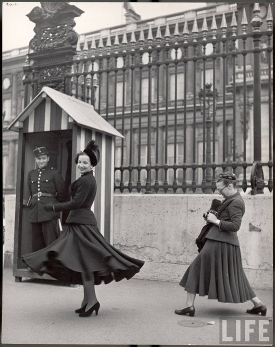 'Americans in London'. 1947 - Harpers Bazaar - outside Buckingham by Louise Dahl-Wolfe