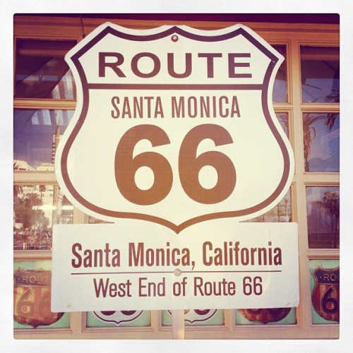 End of the trail. #route66 #santamonica  (at Route 66 - West End)