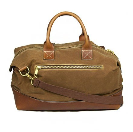 (via Weekend Essentials : The Weekender Duffel by Blue Claw Co) Duffel via Blue Claw Co
