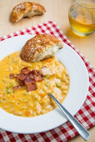 gastrogirl:  beer mac and cheese soup.