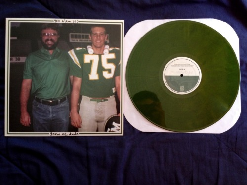 youblewitfl:  icollectrecords:  You Blew It! || Grow Up, Dude || Opaque Green (/100)  This is the special Face-In-The-Corner edition. Exxxtremely rare.  I didn't know disks had corners…
