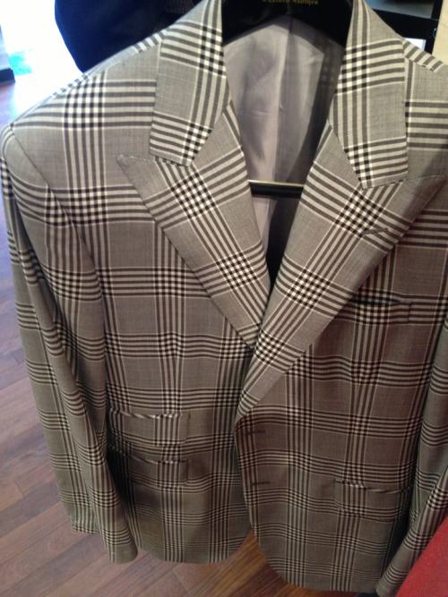 Oxxford clothes peak lapels
