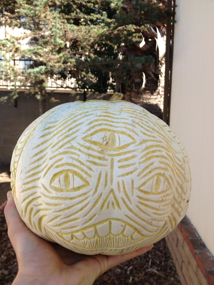 cloudfather:  I carved a punkin today you guyz. ¡cloudcult!