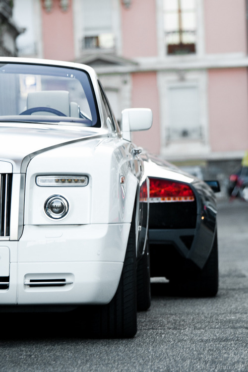 automotivated:  Elegant VS Spartan (by RichardBrunsveld.com)