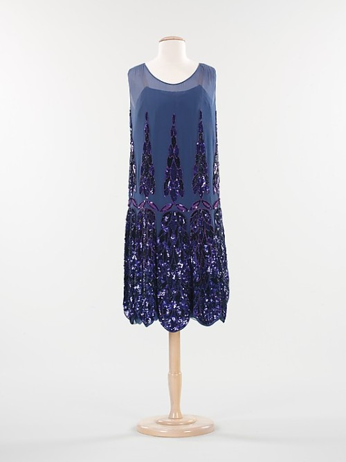 French evening dress circa 1925. The Metropolitan Museum of Art. Accession Number:2009.300.1351