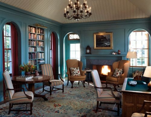 Jayne Design Studio - Library, Shingle Style House in Maine