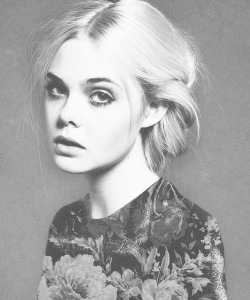 black-and-white-but-not-bland:  Elle Fanning vote for me(black-and-white-but-not-bland) here for a choice of: a screenshot promo to 2.2k a solo promo to 2.2k a detailed rate to 2.2k a description of what i like about your blog to 2.2k a 5 line promo to 2.2k here's the link again so go for it! thanks guys!
