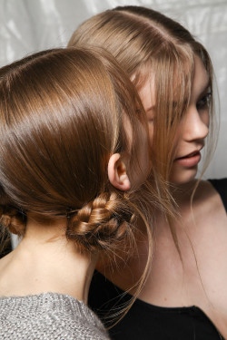 obsessee:  Backstage at Marc Jacobs F/W 12
