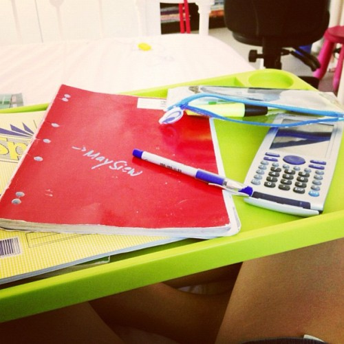 Study Saturday! #maths #exams #urgh #instadaily #stretchmarks #fun #neon #books #needtostudy! (at Siew's BUNGALOOOOOOW)