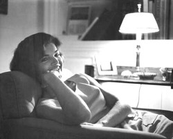 thekennedydynasty:   Jacqueline Kennedy, Georgetown, 1959.  One of my favorite Jackie portraits.