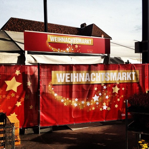 Weihnachtsmarkt. Im Oktober. Grauenhaft. Xmas market. In October. Awful.  (at Migros)