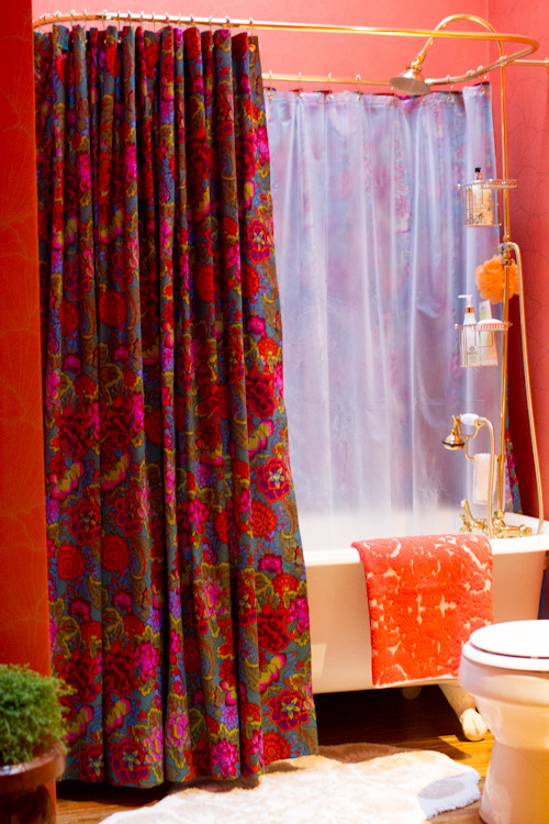 upholstery basics: grommet-top shower curtain | Design*Sponge