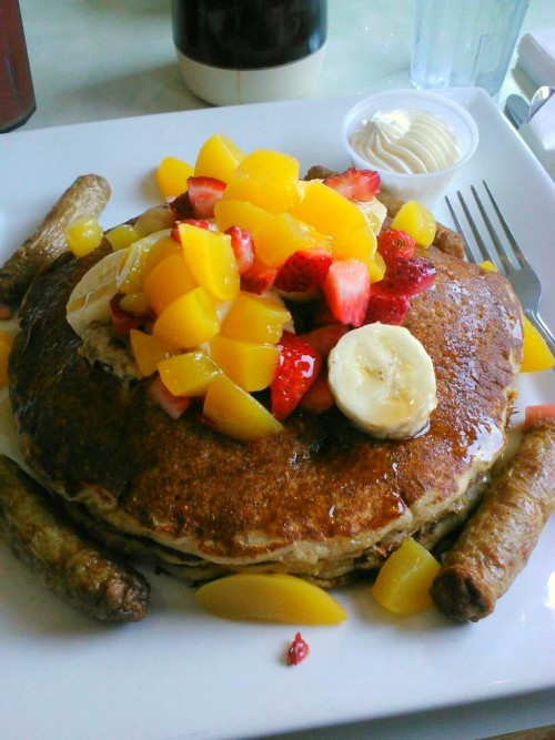 savoryseductions:  Tutti-Fruiti Pancakes Whole wheat pancakes, fresh fruit & turkey sausage. #savoryseductions