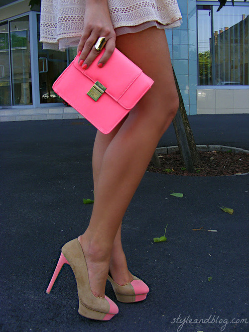 neon-haze:  neon fashion