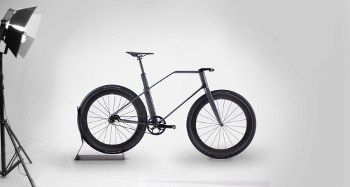 Hey hipsters, save your pennies: A $32,000 Carbon-Fiber Fixed-Gear Bike, Designed By A Formula 1 Firm