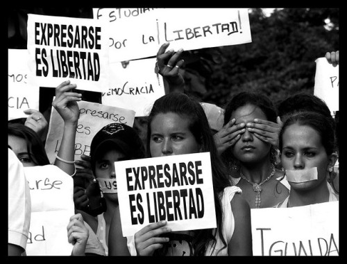 Expresarse es libertad by ervega on Flickr.#Caracas