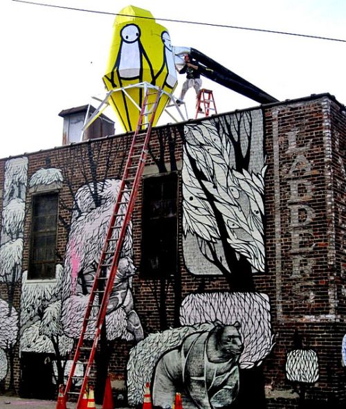 Stik @ work; Concrete Jungle below by LoisInWonderland on Flickr.Stik is visiting NYC from the UK- check out some pieces at Bushwick 5Pointz