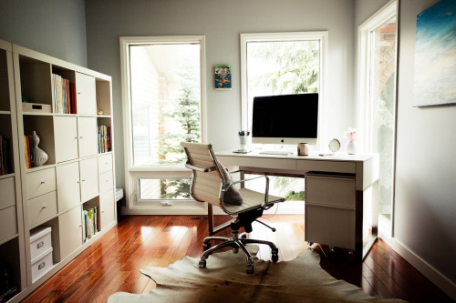 hunsonisgroovy:  Office Love  I will have a place like this to myself one day =)