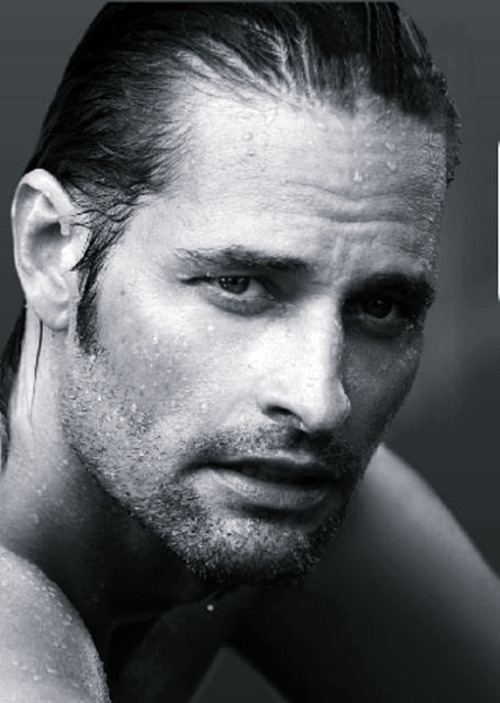 Shirtless Saturday pick: Josh Holloway.