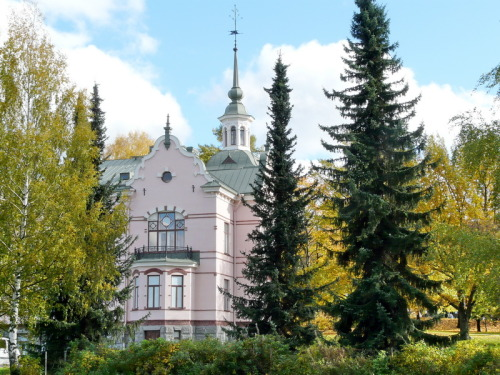 (via Lahti manor house, a photo from Southern Finland, South | TrekEarth) Lahti, Finland