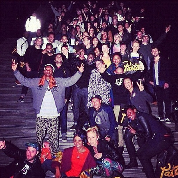 We roll deep. #amsterdamage #bridgethegap  Pic stolen from @oliviergeraghty. @bridgerunners @rundemcrew @nike @pattarunningteam @paris_rc #repost