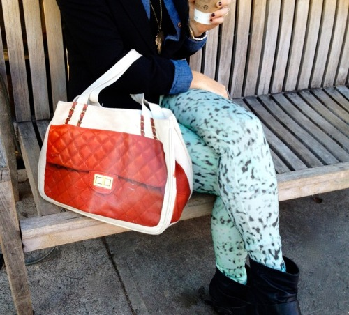 Lindsey is bringing in fall, with her Thursday Friday Diamonds bag, our mint cheetah leggings and a pumpkin latte.