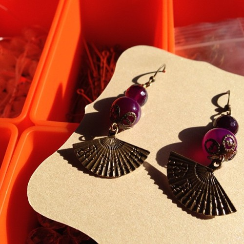Back into it #earrings #handmade #timeforhightea #fan #dangle #earring #etsy #purple #craft #jewellery #jewelry #beaded