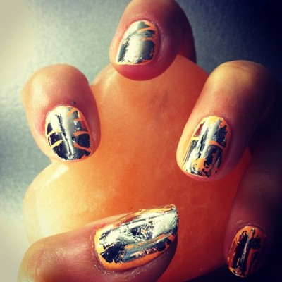 Look of the future today on @melissaxrose: peach and chrome  #jennahipp #nailinghollywood