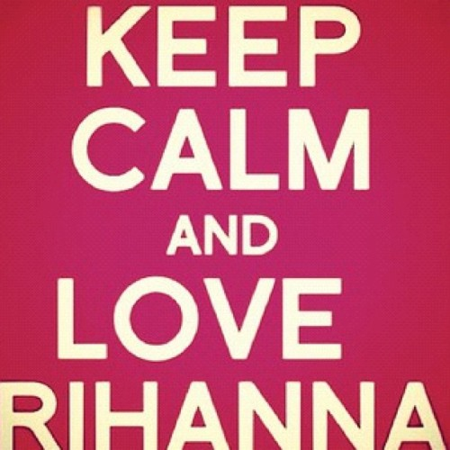 breathe-with-no-air:  @rihannadaily #love #rihanna #favorite artist. 🎧