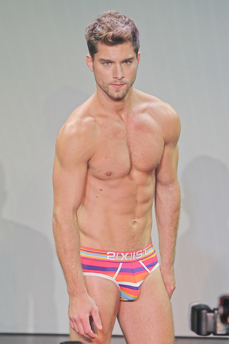 lovingmalemodels:  Andre Ziehe for 2xist