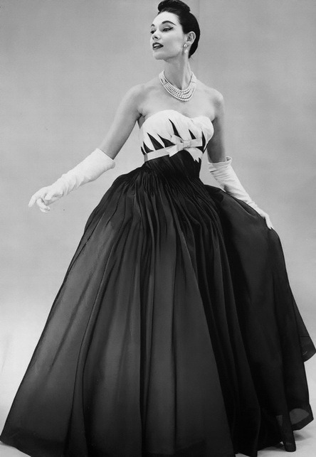 theniftyfifties:  1956 evening gown fashion.  Just wanting to make all the things right now. All the things with bows.