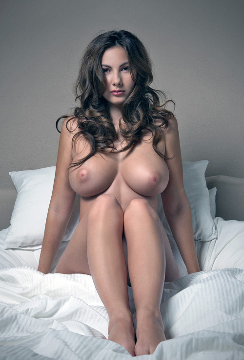 walkwithstrippers:  wouldn't mind waking up next to her.