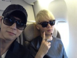 Yoochun and Junsu at the plane ^^ (Yoochun's Twitter) click for more NEWS or KPOP