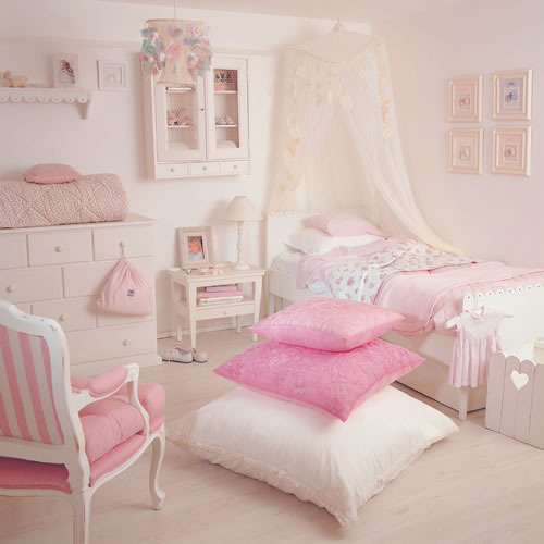 Foxydolls on We Heart It. http://weheartit.com/entry/33544511