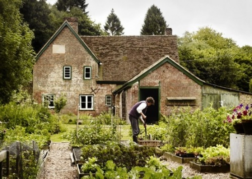 disappear to a classic english cottage