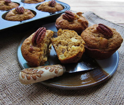 prettylittlepieces:  Apple Pumpkin Pecan Muffin Recipe.