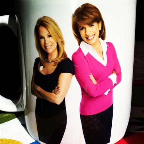 Now this is how you start a morning #kathielee #hoda #todayshow