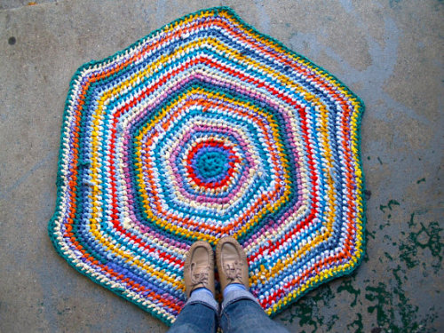 Hexagon Recycled Rag Rug in my shop! (Sockmonster)