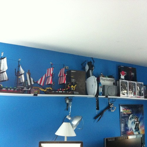 Shelf done. Check #mgs #portal #valve #pc #anime #finalfantasy #lego #pirates #playstation #playarts #playartskai #zoidberg #totoro #kiljoyvideos #sablerage