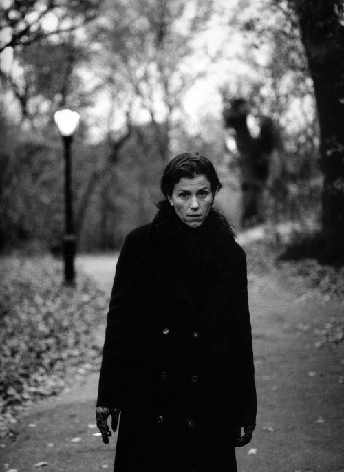 keyframedaily:  Frances McDormand, from a collection of photos by Annie Leibovitz @ everyday_i_show.