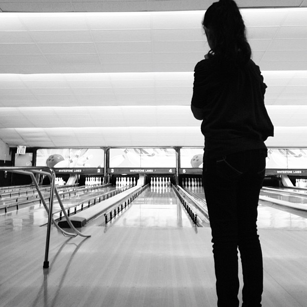 #bowling #girl #b&w #portrait #kid #child #children   (at Whitestone Lanes)
