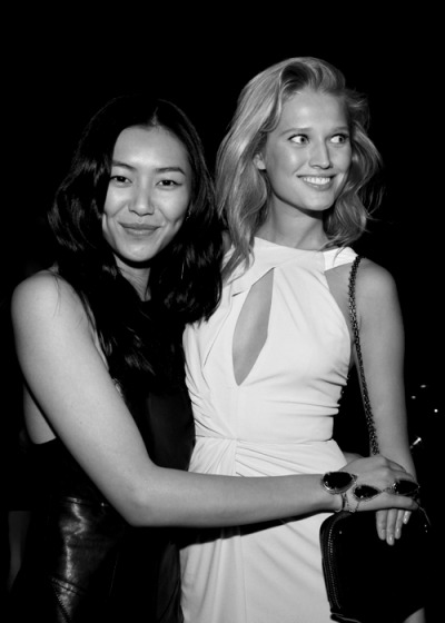 death-on-the-runway:  Liu Wen and Toni Garrn