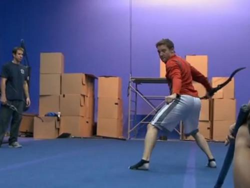 thehottiewhisperer:  theobsessedbird:  Jeremy Renner training for his Hawkeye role in the Avengers movie LOOK AT THAT ASS