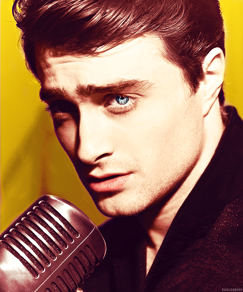 81/100 photos of Daniel Radcliffe ®  DanRad. You sexy man.